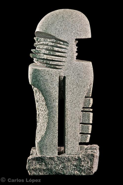 Ejecutivo..Granito.0.43 x 0.18 x 0.13 mts.. 1999.SCULPTURE OF THE PERUVIAN ARTIST CARLOS ALEJANDRO LOPEZ MELITON