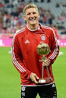 Fotball<br /> Tyskland<br /> 09.08.2013<br /> Foto: Witters/Digitalsport<br /> NORWAY ONLY<br /> <br /> Bastian Schweinsteiger (Bayern), Auszeichnung Fussballer des Jahres vom kicker Sportmagazin<br /> <br /> Fussball Bundesliga, FC Bayern München - Borussia Mönchengladbach