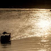 2016 10 14 Rishikesh Uttarakhand Indien<br /> Båt på Ganges vid Ram Jhula<br /> <br /> ----<br /> FOTO : JOACHIM NYWALL KOD 0708840825_1<br /> COPYRIGHT JOACHIM NYWALL<br /> <br /> ***BETALBILD***<br /> Redovisas till <br /> NYWALL MEDIA AB<br /> Strandgatan 30<br /> 461 31 Trollhättan<br /> Prislista enl BLF , om inget annat avtalas.
