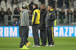24.02.2015, Veltins Arena, Turin, ITA, UEFA CL, Juventus Turin vs Borussia Dortmund, Achtelfinale, Hinspiel, im Bild l-r: Ciro Immobilie #9 (Borussia Dortmund), Pierre-Emerick Aubameyang #17 (Borussia Dortmund), Roman Weidenfeller #1 (Borussia Dortmund), Chef-Trainer Juergen Klopp (Borussia Dortmund) und Sven Bender #6 (Borussia Dortmund) auf dem Rasen gut gelaunt // during the UEFA Champions League Round of 16, 1st Leg match between between Juventus Turin and Borussia Dortmund at the Veltins Arena in Turin, Italy on 2015/02/24. EXPA Pictures © 2015, PhotoCredit: EXPA/ Eibner-Pressefoto/ Kolbert<br /> <br /> *****ATTENTION - OUT of GER*****