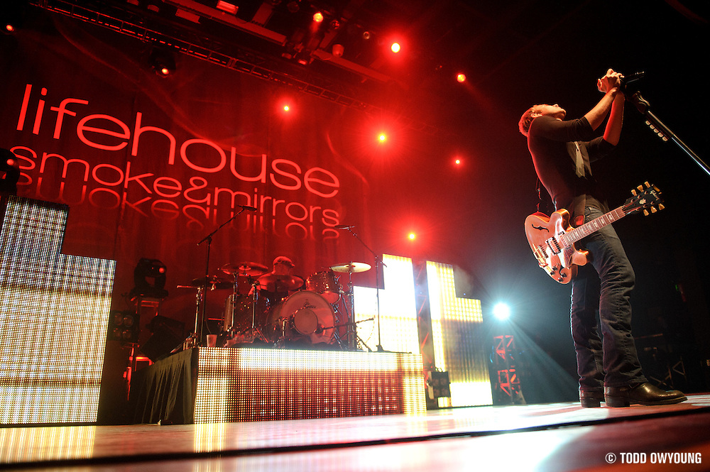 Lifehouse performing on November 9, 2010 at the Pagant in St. Louis, Missouri