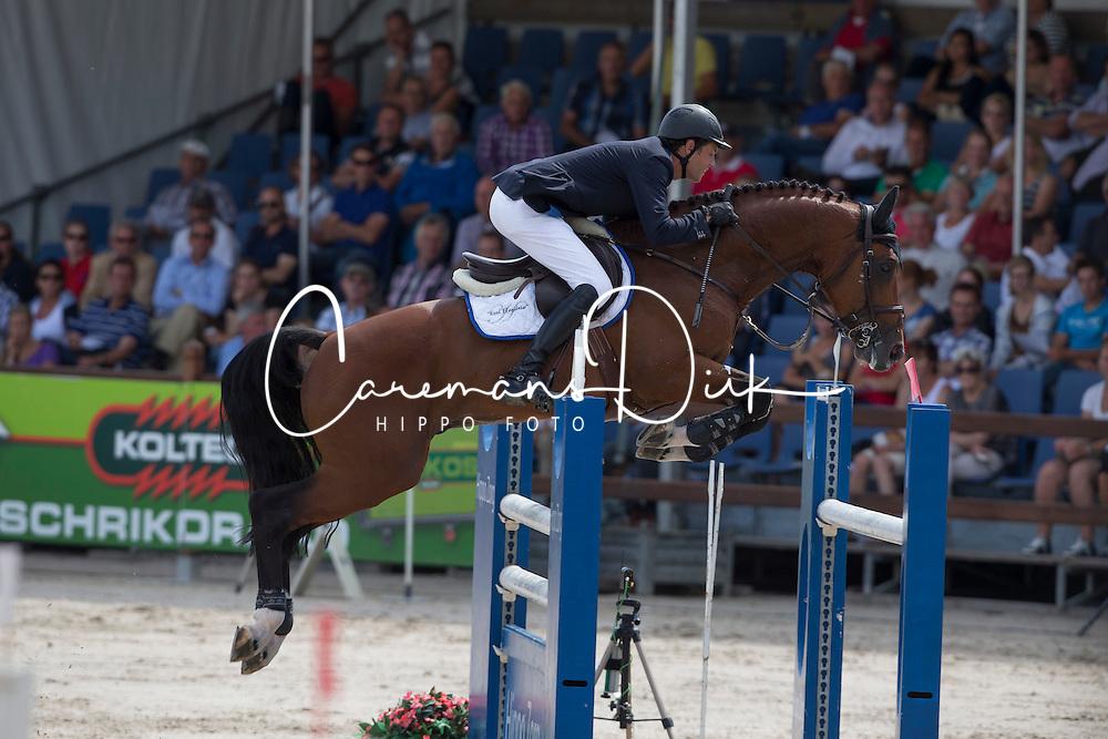 Hendrix Michel (NED) - Applaus<br /> KWPN Paardendagen - Ermelo 2012<br /> © Dirk Caremans