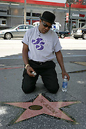 Tito Jackson cleans Hollywood Star
