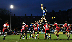 Dominic Day (Bath) wins lineout ball - Photo mandatory by-line: Patrick Khachfe/JMP - Tel: Mobile: 07966 386802 14/12/2013 - SPORT - RUGBY UNION -  The Recreation Ground, Bath - Bath v Mogliano - Amlin Challenge Cup.