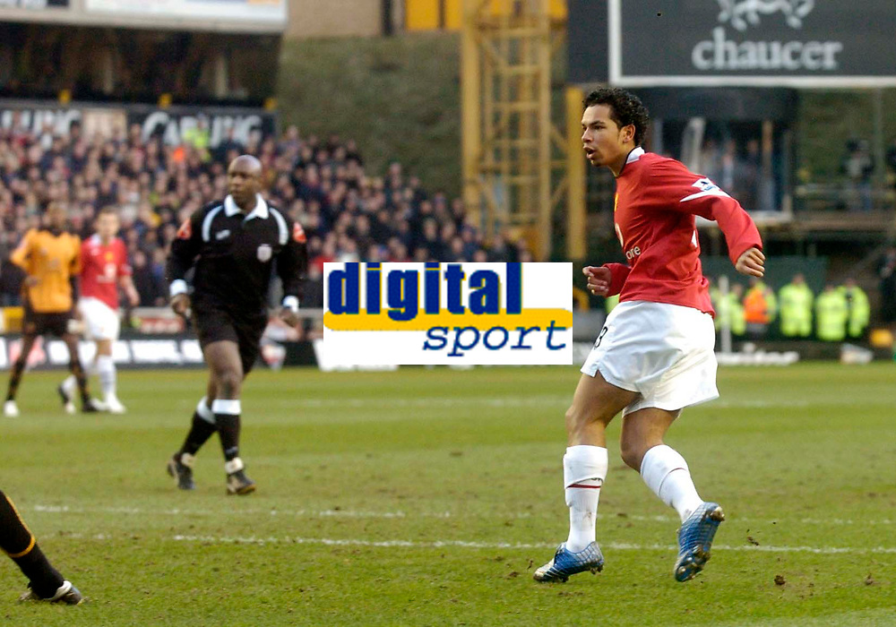 Photo: Glyn Thomas.<br />Wolverhampton Wanderers v Manchester United. The FA Cup. 29/01/2006.<br /> United's Kieran Richardson scores an early goal.