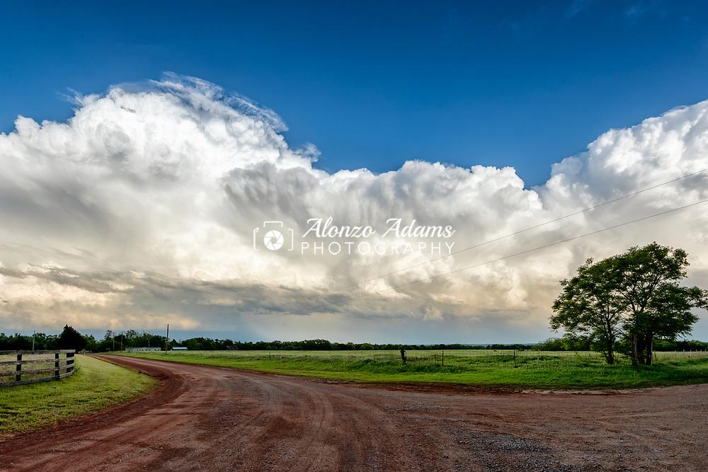 Storm April 25, 2017 in central Oklahoma. Photo copyright © 2017 Alonzo J. Adams