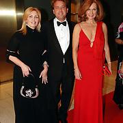 NLD/Amsterdam/20051128 - Uitreiking Beau Monde Awards 2005, Anita van der Hoeven, ?, Liz Snoyink