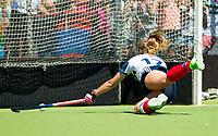 HUIZEN - Amber Folmer (Huizen)  bij de eerste play off wedstrijd voor promotie naar de hoofdklasse , Huizen-Nijmegen (3-2) COPYRIGHT KOEN SUYK