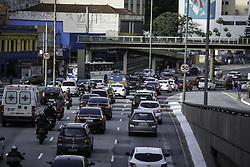 June 8, 2017 - Trânsito na região central da capital registra lentidão de quatro km na manhã desta quinta-feira (08), segundo informações da CET. (Credit Image: © Bruno Rocha/Fotoarena via ZUMA Press)