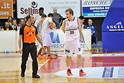 DESCRIZIONE : Biella LNP DNA Adecco Gold 2013-14 Angelico Biella Sigma Barcellona<br /> GIOCATORE : Alan Voskuil Arbitro<br /> CATEGORIA : Arbitro Delusione<br /> SQUADRA : Angelico Biella Arbitro<br /> EVENTO : Campionato LNP DNA Adecco Gold 2013-14<br /> GARA : Angelico Biella Sigma Barcellona<br /> DATA : 02/03/2014<br /> SPORT : Pallacanestro<br /> AUTORE : Agenzia Ciamillo-Castoria/Max.Ceretti<br /> Galleria : LNP DNA Adecco Gold 2013-2014<br /> Fotonotizia : Biella LNP DNA Adecco Gold 2013-14 Angelico Biella Sigma Barcellona<br /> Predefinita :
