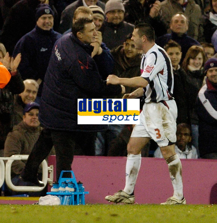 Photo: Leigh Quinnell.<br /> West Bromwich Albion v Coventry City. Coca Cola Championship. 16/12/2006. West Brom manager Tony Mowbray congratulates Paul Robinson on goal number five.