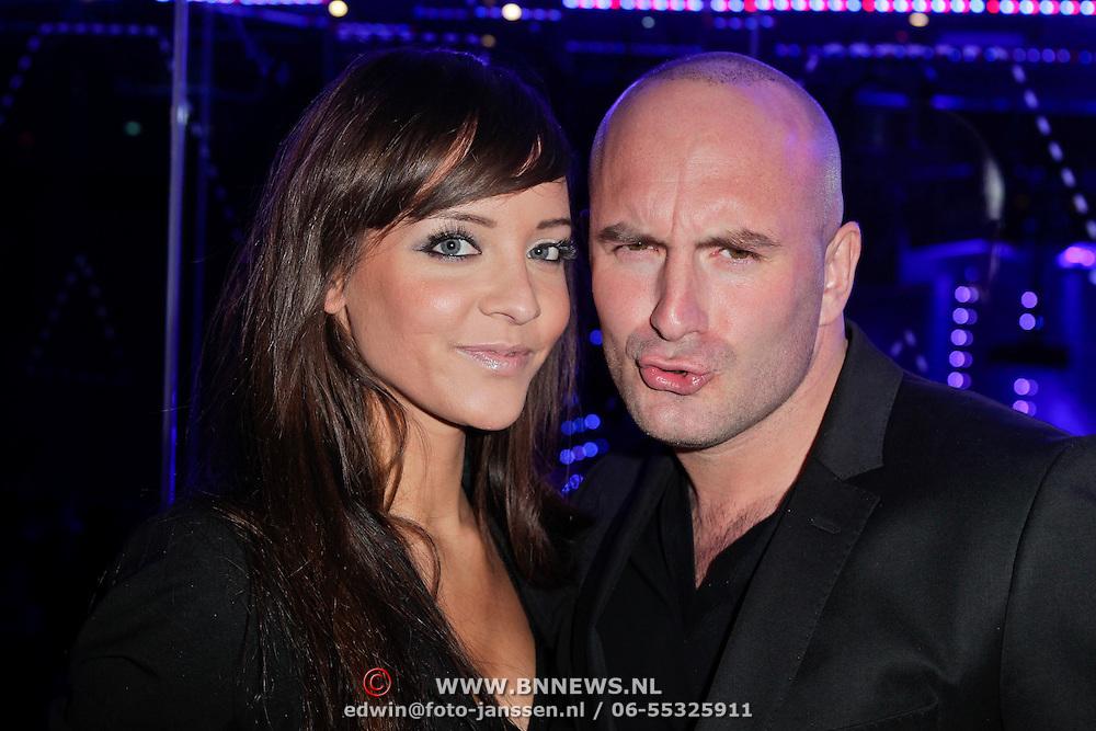 NLD/Amsterdam/20120130 - CD presentatie Lange Frans, Dean Saunders en partner Jamie Faber