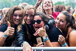 18 Juni 2016 LakeSide festival in Alphen aan den Rijn in het 'media-vak' tussen podium en publiek.