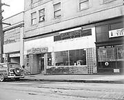 ackroyd_02064-6. Denny's food bar & lounge. 1650 West Burnside. March 7, 1950 (demolished)