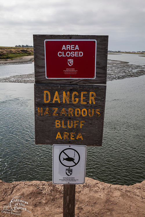 Dangerous bluffs sign, Bolsa Chica Ecological Reserve, Orange County, California, USA