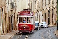 Portugal, Lisbonne, Portugal, quartier de Baixa pombalin, tramway // Portugal, Lisbon, tram