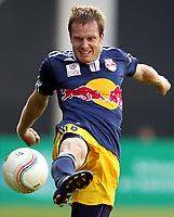 Fotball<br /> 09.07.2010<br /> Foto: Gepa/Digitalsport<br /> NORWAY ONLY<br /> <br /> tipp3 Bundesliga powered by T-Mobile, Niederlaendische Eredivisie, AZ Alkmaar vs Red Bull Salzburg<br /> <br /> Bild zeigt Christian Schwegler (RBS).
