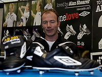 Photo: Jed Wee.<br />Presentation of Umbro boots to Alan Shearer for scoring a record 201 goals for Newcastle. 09/02/2006.<br />Alan Shearer speaks at the unveiling of his new Umbro boots.