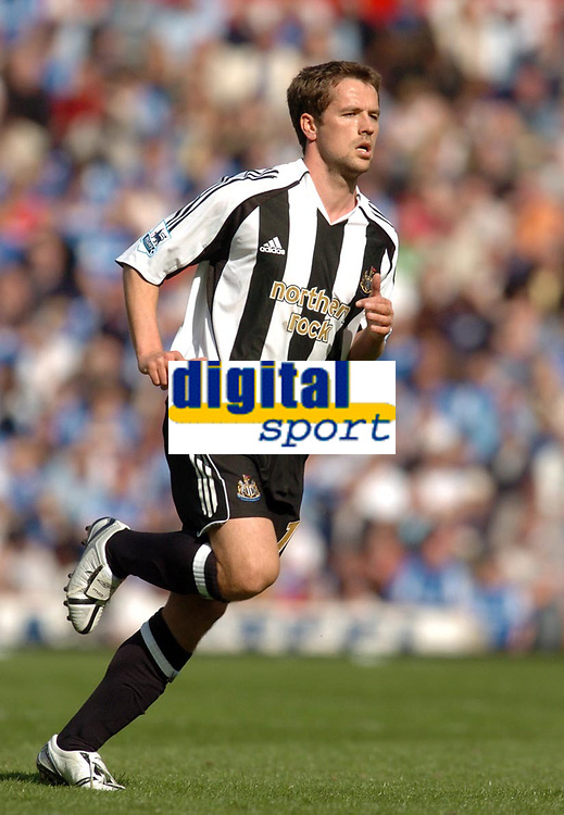 Photo: Leigh Quinnell.<br /> Birmingham City v Newcastle United. The Barclays Premiership. 29/04/2006. Michael Owen in action for Newcastle.