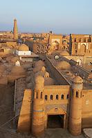 Ouzbekistan, Khiva, patrimoine mondial de l UNESCO, la porte East // Uzbekistan, Khiva, Unesco World Heritage, east door