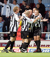 Fotball<br /> Caling Cup England 2004/2005<br /> Andre runde<br /> 21.09.2004<br /> Foto: SBI/Digitalsport<br /> NORWAY ONLY<br /> <br /> West Ham v Notts County<br /> <br /> Notts County Ian Richardson celebrates their second gaol against West Ham