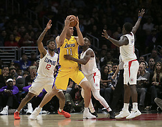 Los Angeles Clippers v LA Lakers - 13 Ict 2017