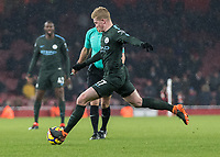Football - 2017 / 2018 Premier League - Arsenal vs. Manchester City<br /> <br /> Kevin De Bruyne (Manchester City) with a strike at the Arsenal goal at The Emirates.<br /> <br /> COLORSPORT/DANIEL BEARHAM