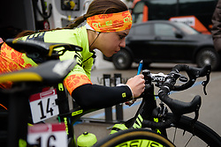 Anna Trevisi prepares her stem notes at Strade Bianche - Elite Women 2018 - a 136 km road race on March 3, 2018, starting and finishing in Siena, Italy. (Photo by Sean Robinson/Velofocus.com)