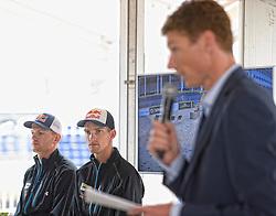 15-07-2014 NED: Persconferentie FIVB Grand Slam Beachvolleybal, Scheveningen<br /> Alexander Brouwer en Robert Meeuwsen luisteren naar toernooidirecteur Bas van de Goor