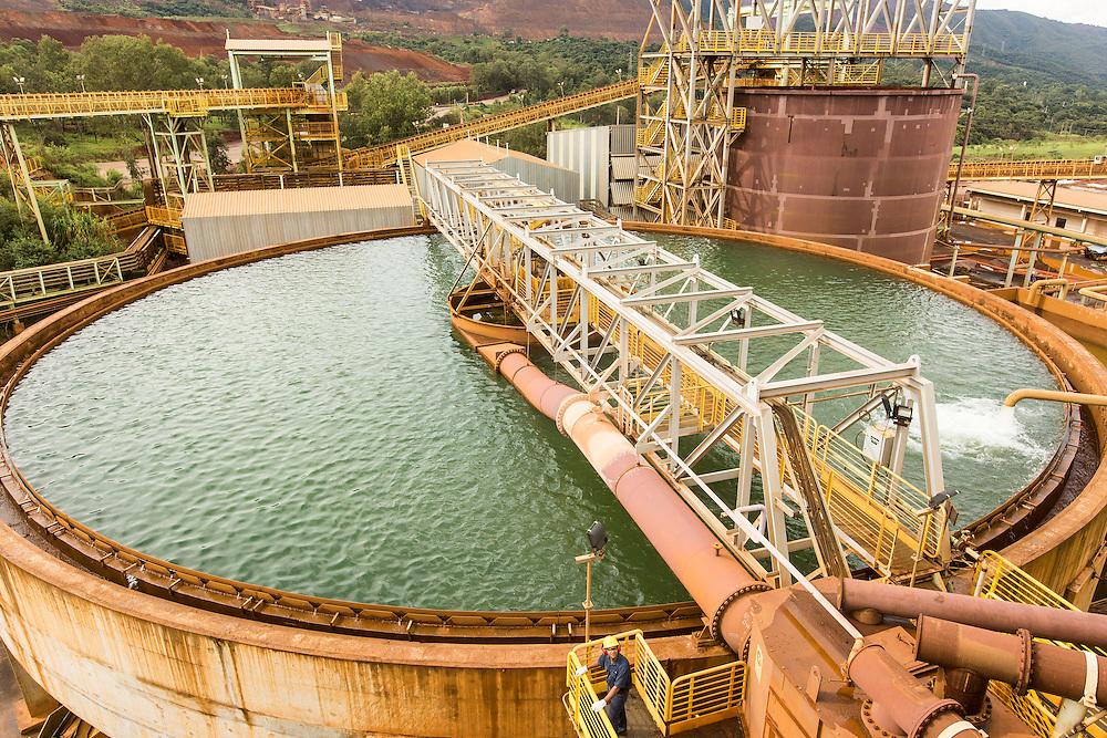Itatiaiucu_MG, Brasil.<br /> <br /> Imagens da Mina Oeste em Itatiaiucu, Minas Gerais.<br /> <br /> Oeste mine in Itatiaiucu, Minas Gerais.<br /> <br /> Foto: LEO DRUMOND / NITRO