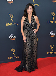 Julia Louis-Dreyfus bei der Verleihung der 68. Primetime Emmy Awards in Los Angeles / 180916<br /> <br /> *** 68th Primetime Emmy Awards in Los Angeles, California on September 18th, 2016***