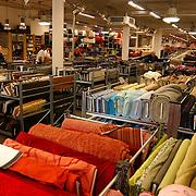 De Lappenkelder De Laat 33 Alkmaar int. winkel