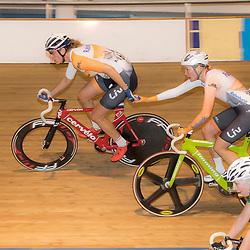 20-12-2015: Wielrennen: NK Baan: Alkmaar<br />ALKMAAR (NED) baanwielrennen <br />Vera Koedooder en Roxane Kneteman