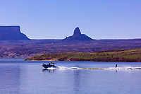 Waterskiing, Lake Powell, Glen Canyon National Recreation Area, Arizona/Utah border USA