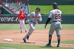 May 9, 2018 - Arlington, TX, U.S. - ARLINGTON, TX - MAY 09: Detroit Tigers second baseman Pete Kozma (33) rounds the bases after hitting a home run during the game between the Detroit Tigers and the Texas Rangers on May 9, 2018 at Globe Life Park in Arlington, TX. (Photo by George Walker/Icon Sportswire) (Credit Image: © George Walker/Icon SMI via ZUMA Press)