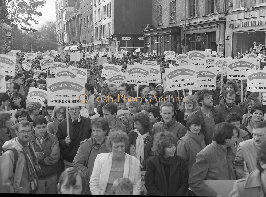 Irish Teachers Demonstration, Dublin.1985..06.11.1985..11.06.1985..6th November 1985..In an escalation of the dispute, teachers took their protest onto the streets of Dublin. This was the first in a series of work stoppages,all of the teachers unions were represented in the demonstration..Picture of demonstrating teachers taken as you look up Dawson Street,towards St Stephen's Green.