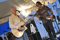 Skiffledog with Hilton Valentine, Jillian Stronk on fiddle, Dave Hurd on bass & Pat Quinn on drums, at the 4-H Fair Durham CT 8 August 2009