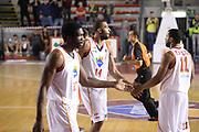 DESCRIZIONE : Roma Lega serie A 2013/14 Acea Virtus Roma Grissin Bon Reggio Emilia<br /> GIOCATORE : hosley quinton<br /> CATEGORIA : fair play<br /> SQUADRA : Acea Virtus Roma<br /> EVENTO : Campionato Lega Serie A 2013-2014<br /> GARA : Acea Virtus Roma Grissin Bon Reggio Emilia<br /> DATA : 22/12/2013<br /> SPORT : Pallacanestro<br /> AUTORE : Agenzia Ciamillo-Castoria/ManoloGreco<br /> Galleria : Lega Seria A 2013-2014<br /> Fotonotizia : Roma Lega serie A 2013/14 Acea Virtus Roma Grissin Bon Reggio Emilia<br /> Predefinita :