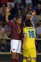 Photo: Francesc Valcarcel.<br />Villarreal v Arsenal. UEFA Champions League. Semi Final, 2nd Leg. 25/04/2006.<br />Thierry Henry of Arsenal (L) arguing with Quique Alvarez of Villarreal (R).