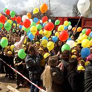 Hoogste punt school de Werf Ellertsveld Huizen, ballonnen oplaten