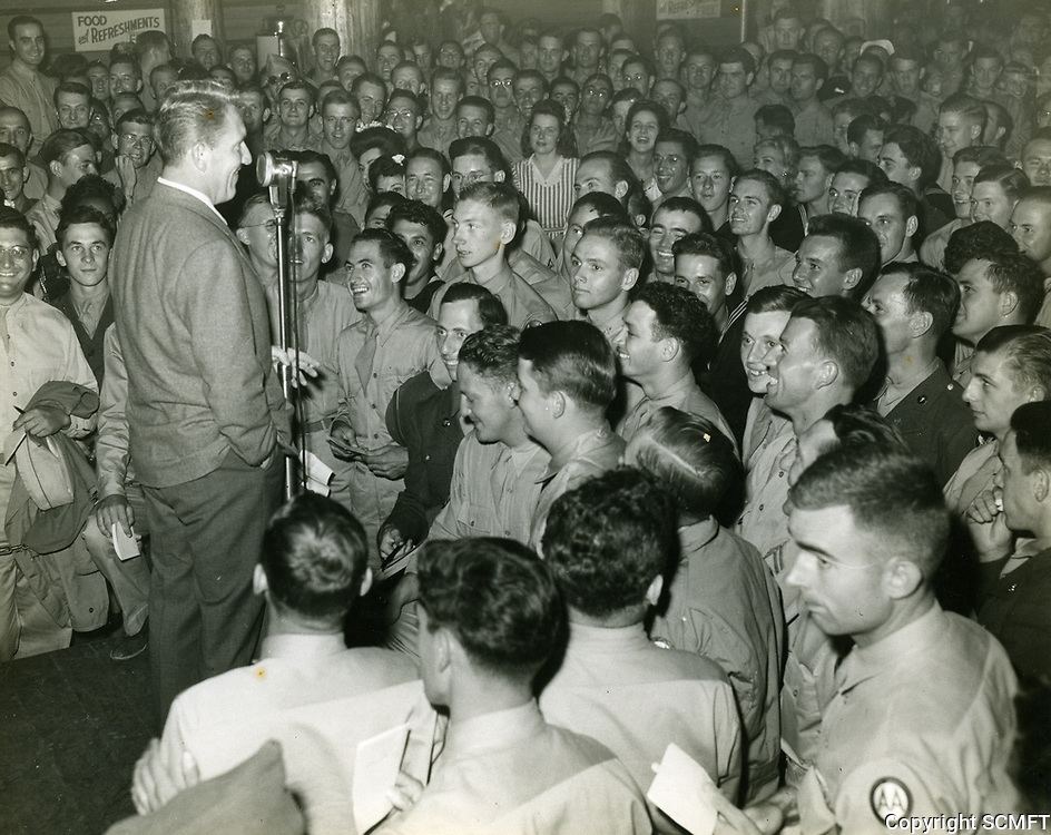1943 Spencer Tracy entertains soldiers at the Hollywood Canteen