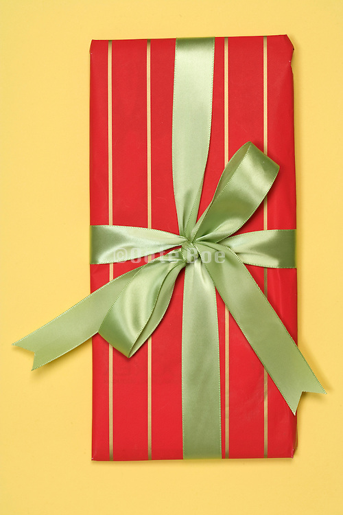 gift wrap present