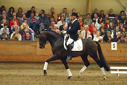 671-Tuschinski<br /> KWPN Paardendagen Ermelo 2004<br /> Photo © Hippo Foto