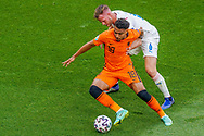 Donyell Malen of the Netherlands battles for possession with Tomas Kalas of Czech Republic during the UEFA Euro 2020, Round of 16 football match between Netherlands and Czech Republic on June 27, 2021 at Puskas Arena in Budapest, Hungary - Photo Andre Weening / Orange Pictures / ProSportsImages / DPPI