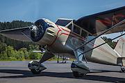 1934 Stinson Reliant SR-5E taxiing.