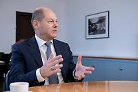 21 NOV 2018, BERLIN/GERMANY:<br /> Olaf Scholz, SPD, Bundesfinanzminister, waehrend einem Interview, in seinem Buero, Bundesministerium der Finanzen<br /> IMAGE: 20181121-01-011<br /> KEYWORDS: Büro