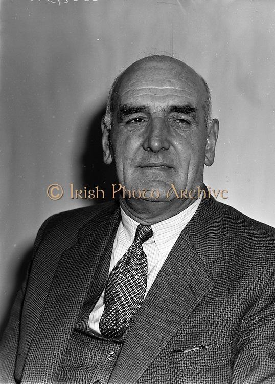 7/7/1958<br /> <br /> 7 June 1958<br /> <br /> Mr. Dixon of Irish Shell