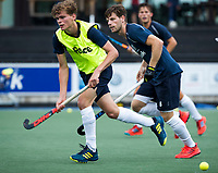 UTRECHT - Casper Roelofs met Lars Balk     tijdens  de training van Kampong  voor het nieuwe hockey hoofdklasse competitie. .COPYRIGHT KOEN SUYK
