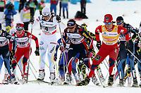 Kristin Stoermer Steira (NOR, 16), Charlotte Kalla (SWE, 4), Justina Kowalczyk (POL, 2) und Marit Bjoergen (NOR) am Start (Pascal Muller/EQ Images)