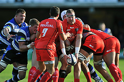 Imanol Harinordoquy of Toulouse looks to pass the ball - Photo mandatory by-line: Patrick Khachfe/JMP - Mobile: 07966 386802 25/10/2014 - SPORT - RUGBY UNION - Bath - The Recreation Ground - Bath Rugby v Toulouse - European Rugby Champions Cup